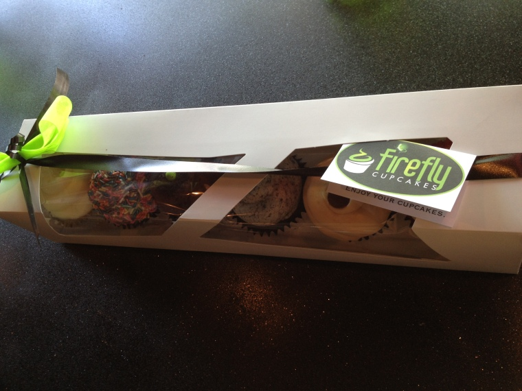 Firefly cupcakes to go!