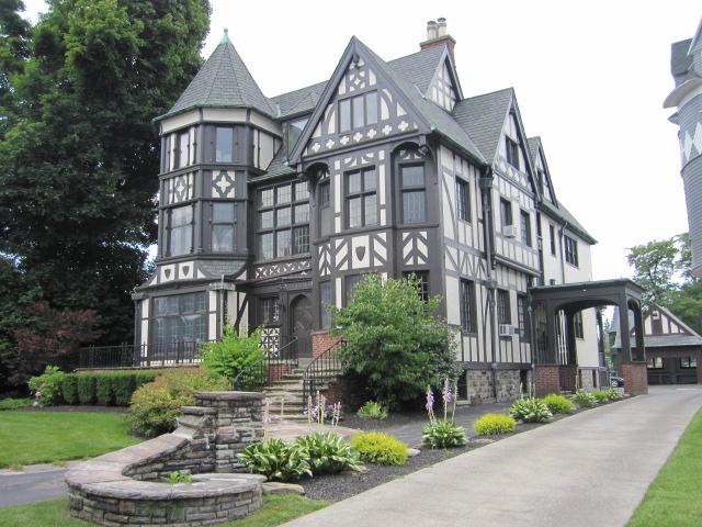 this Tudor home had us drooling