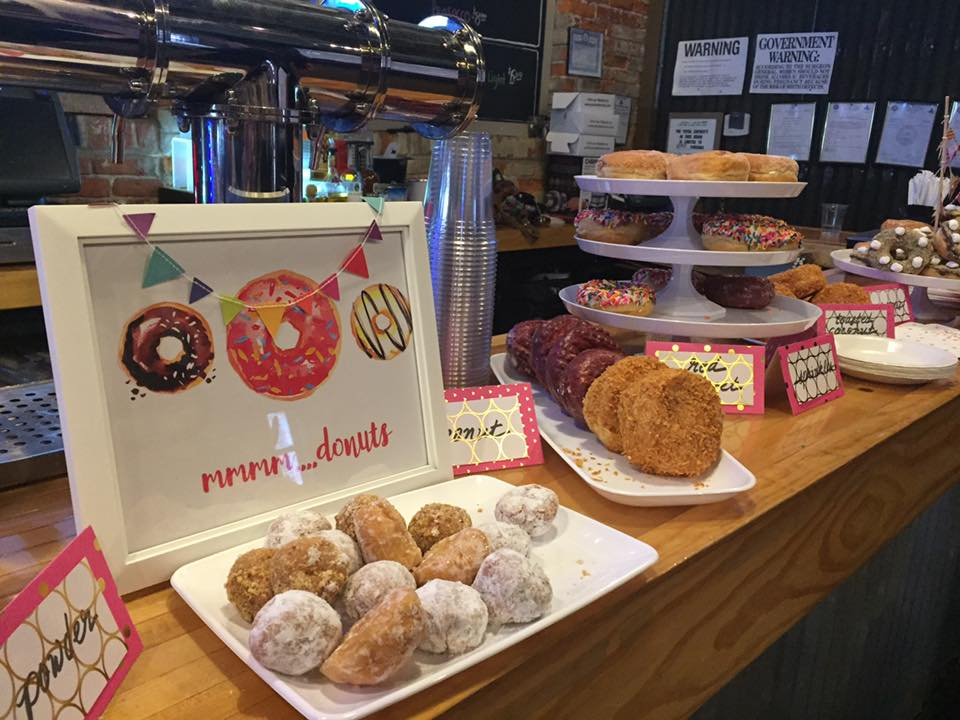 paulas-donut-display