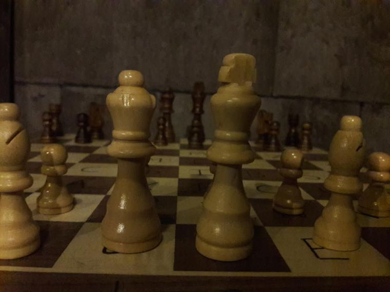 trapped chess