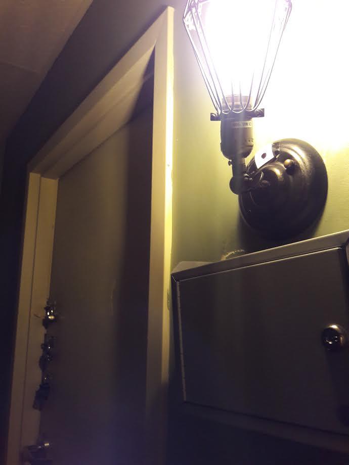 trapped room 9 locks